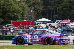 #66 TRG Porsche 911 GT3 Cup: Ben Keating, Damien Faulkner, Craig Stanton spins off the track