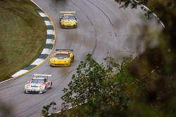 #06 CORE autosport Porsche 911 GT3 RSR: Patrick Long, Colin Braun, Michael Christensen, #3 Corvette