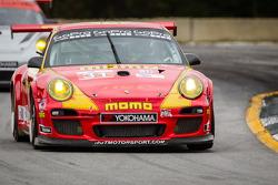 #31 NGT Motorsport Porsche 911 GT3 Cup: Nicolas Armindo, Christina Nielsen, Angel Andres Benitez