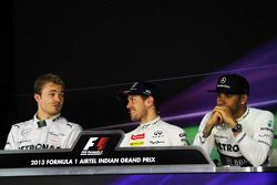 FIA basın toplantısı: Nico Rosberg, Mercedes AMG F1; Sebastian Vettel, Red Bull Racing; Lewis Hamilt