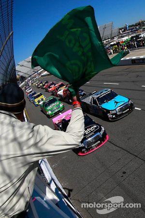 Start: Denny Hamlin leads