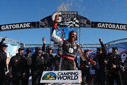 Racewinnaar Darrell Wallace Jr.