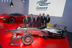 Alain Prost and Jean-Paul Driot with Jean Todt, FIA President, and Alejandro Agag, co-founder of For