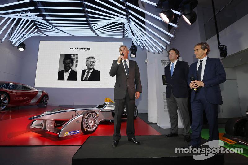 Alain Prost y Jean-Paul Driot con Alejandro Agag, co-fundador de campeonato Fórmula E