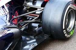 Williams FW35 rear taban detay