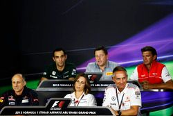 Cyril Abiteboul, Caterham F1 Team ; Paul Hembery, Pirelli ; Graeme Lowdon, Marussia F1 Team ; Franz Tost, Scuderia Toro Rosso ; Claire Williams, Williams
