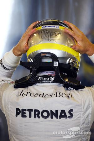 Nico Rosberg, Mercedes AMG F1 HANS device and helmet
