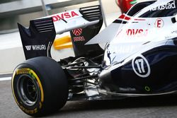 Williams FW35, Valtteri Bottas, Williams rear suspension ve exhaust detay