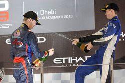 Racewinnaar en 2013 kampioen Daniil Kvyat
