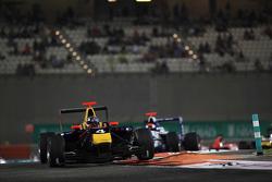 Карлос Саинс-мл.. Абу-Даби, субботняя гонка.