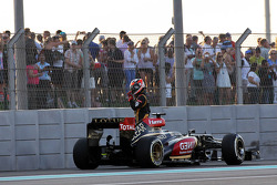 Kimi Raikkonen, Lotus F1 E21 retired from the race on the first lap