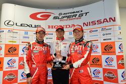 GT500 vencedores Yuji Tachikawa, Kohei Hirate