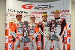 GT500 winners Kazuya Oshima, Yuji Kunimoto and GT300 winners Katsuyuki Hiranaka, Bjorn Wirdheim