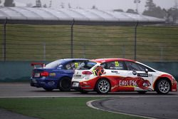 Yukinori Taniguchi, SEAT Leon WTCC, Campos Racing et Fredy Barth, BMW 320 TC, Wiechers-Sport