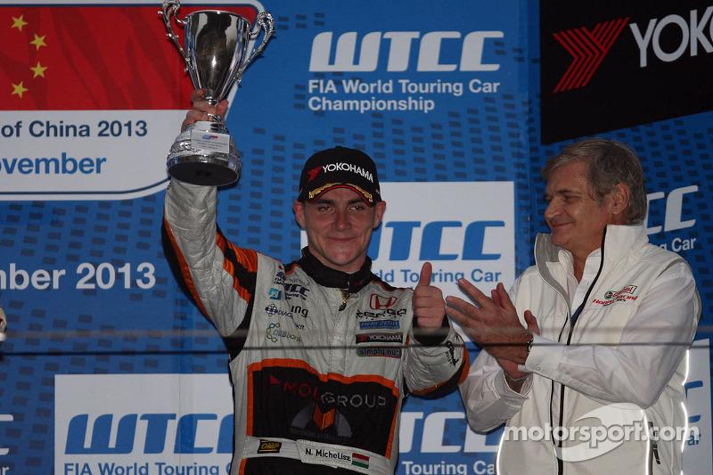 3e plaats Norbert Michelisz, Teambaas, Honda Racing Team Jas