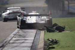 El #1 Joest Audi R18 e-tron quattro del equipo Audi Sport: Andre Lotterer, Benoit Tréluyer, Marcel F