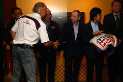 Franz Engstler, BMW E90 320 TC, Liqui Moly Team coma cobra na mão do Jean Todt, Presidente da FIA