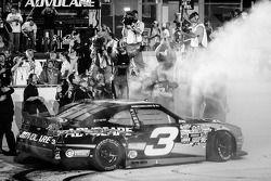 NASCAR Nationwide Series 2013 kampioen Austin Dillon viert feest