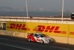 Yvan Muller, Chevrolet Cruze 1.6T, RML