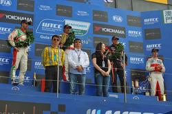 Podium: 1er Yvan Muller, Chevrolet Cruze 1.6T, RML, 2e Tiago Monteiro, Honda Civic Super 2000 TC, Honda Racing Team Jas, 3e Robert Huff, SEAT Leon WTCC, ALL-INKL.COM Munnich Motorsport et Alex MacDowall, Chevrolet Cruze 1.6T, bamboo-engineering