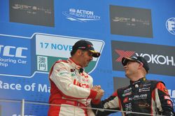 Podium: winner Yvan Muller, Chevrolet Cruze 1.6T, 3rd Robert Huff, SEAT Leon WTCC, ALL-INKL.COM Munnich Motorsport
