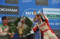 Podium: 1er Yvan Muller, Chevrolet Cruze 1.6T, RML, 2e Tiago Monteiro, Honda Civic Super 2000 TC, Ho