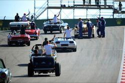 O carro de Nico Rosberg, Mercedes AMG F1 surge no desfile de pilotos