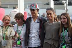 Esteban Gutiérrez, Sauber con su novia y su familia
