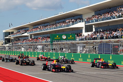 Sebastian Vettel, Red Bull Racing RB9 y Mark Webber, Red Bull Racing RB9 en la arrancada