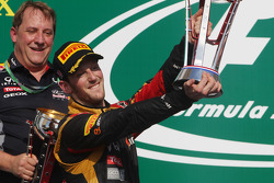 Podio: segundo lugar Romain Grosjean, Lotus F1 Team