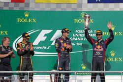 O pódio, Lotus F1 Team, segundo; Sebastian Vettel, Red Bull Racing, vencedor; Mark Webber, Red Bull