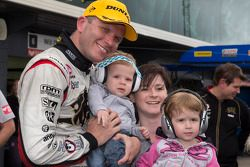 O vencedor Garth Tander, Holden Racing Team