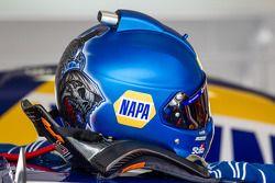 Helm von Martin Truex Jr., Michael Waltrip Racing, Toyota