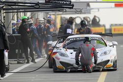 #44 MRS GT Racing McLaren MP4-12C: Andy Soucek, Oliver Turvey