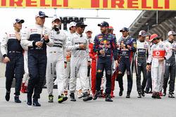 Lewis Hamilton, Mercedes AMG F1 y Sebastian Vettel, Red Bull Racing y los pilotos en una sesión de f