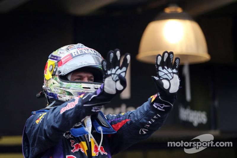 Себастьян Феттель и Red Bull Racing четыре года доминировали в Ф1, забирая себе все титулы. Сезон-2013 завершился девятью победами немца подряд – но все понимали, что в следующем году картина почти наверняка будет иной.