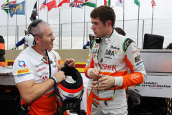 Paul di Resta, Sahara Force India F1 with Gerry Convy, Personal Trainer on the grid