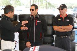 Juan Pablo Montoya, Helio Castroneves y Rick Mears