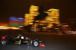 Thierry Boutsen rijdt de tweezitter F1