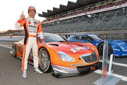 GT500 winnaar Kazuya Oshima