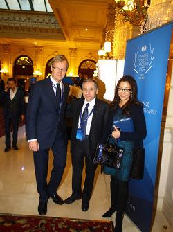 (Da esquerda para direita): Ari Vatanen, ex-campeão do mundo de Rally, com Jean Todt, presidente da FIA e sua esposa Michelle Yeoh