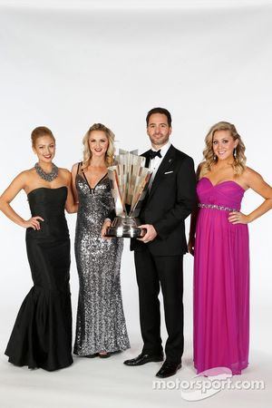 2013 champion Jimmie Johnson with Brooke Werner, Kim Coon and Jaclyn Roney