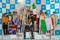 GTX podium: Winnaars Tiziano Cappelletti, Giampiero Cristoni, Tommy Lindroth, Matteo Cressoni