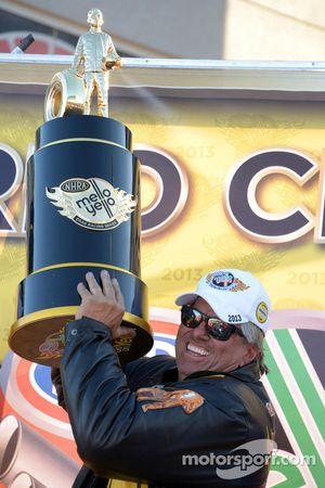 2013 Funny Car şampiyonu John Force