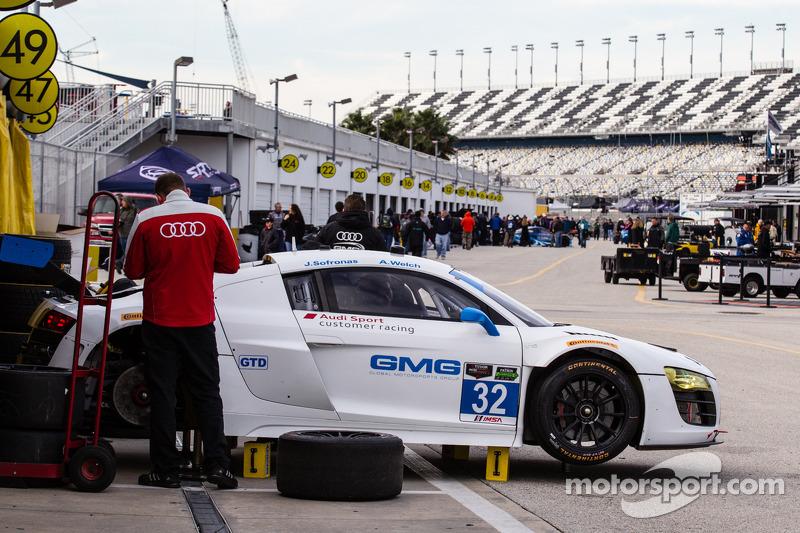 #32 GMG Racing Audi R8 LMS