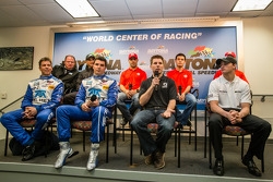 Conférence de presse : Chip Ganassi, Jamie Allison from Ford Racing, Tony Kanaan, Kyle Larson, Marin