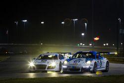 #32 GMG Racing 奥迪 R8 LMS: 詹姆斯·索夫罗纳斯, 阿历克斯·韦尔希, 弗兰克·斯提皮勒, 马克·巴桑 和 #19 Muehlner Motorsports America 保时捷 911 GT America: 兰迪·普博斯特, 吉姆·迈克廉