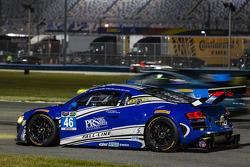 #46 Fall-Line Motorsports 奥迪 R8 LMS: 查尔斯·帕特南, 查尔斯·埃斯彭劳布, 詹姆斯·沃克, 奥利弗·贾维斯 停在赛道上