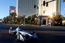 Spark-Renault SRT-01E na Las Vegas Boulevard