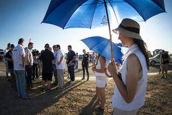 Güzel şemsiye kızları